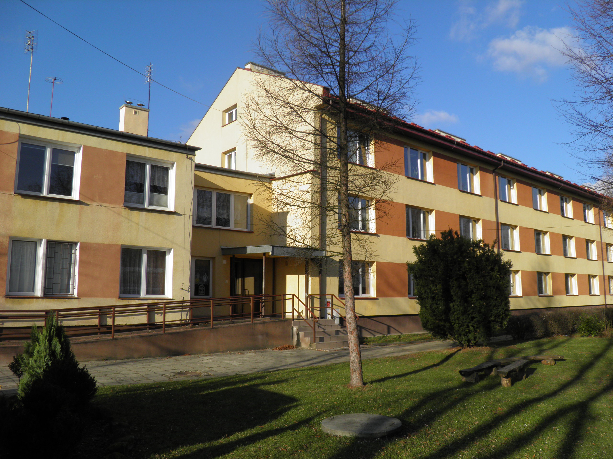 budynek-szkoly-2.jpg